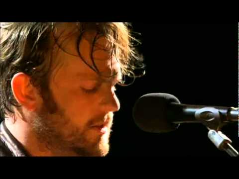 SEX ON FIRE - KINGS OF LEON - LIVE - V festival 2010 - HQ video