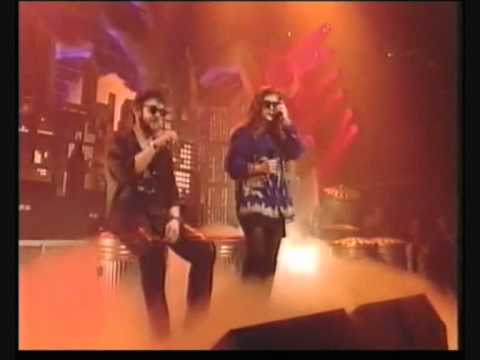Pogues & Kirsty MacColl - A fairytale in New York TOTP 1992