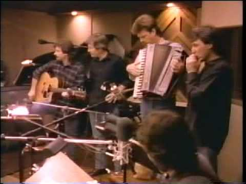 "Levon Helm w/The Nitty Gritty Dirt Band, ""When I Get My Reward"""