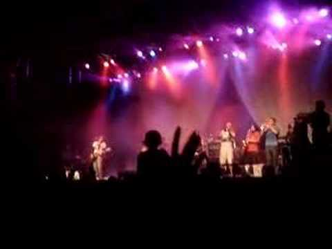 No Te Va Gustar - Al Vacio (vivo Pepsi Music 2006)
