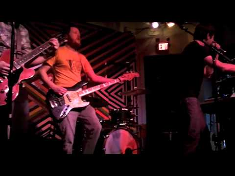 The New Media - Pressure (Live at Metro Gallery 1.5.2011)