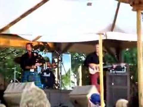 Canadian bagpipe rock!