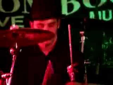 OLI BROWN AT BOOM BOOM CLUB SUTTON. UK 05.04.07