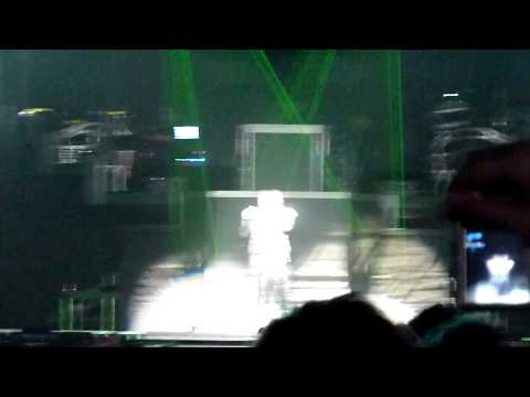 Black Eyed Peas -- Will I Am Freestyle Rap -- Birmingham