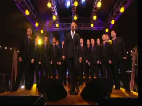 Russell watson and Only Men aloud singing `Volare`