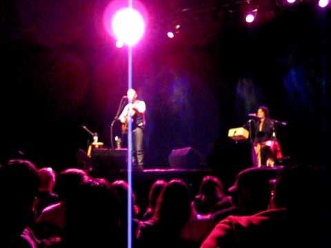 Open Wings Broken Strings Tour 009 Ed Kowalczyk Nobody Knows.AVI