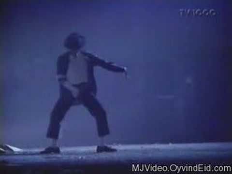 Michael Jackson - Black Or White Panther Dance