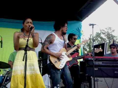 Orgone - Ain`t No Use (Live @ Bonnaroo 2010)