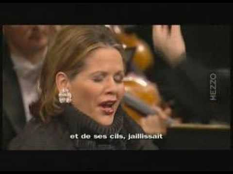 "Renee Fleming sings ""The wilow`s song"" from Verdi`s Otello"
