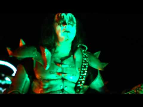 KISS - Gene blood tongue/I Love It Loud [HD] - Live at Ottawa Bluesfest - July 15 2009