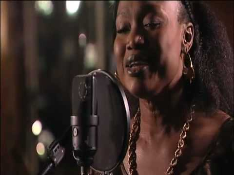 Oumou Sangare `Sounsoumba` special acoustic version
