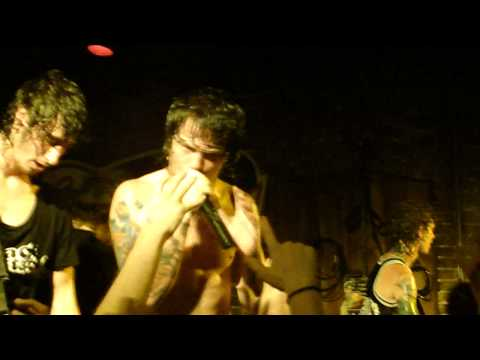 Asking Alexandria - The Final Episode LIVE at Emo`s in Austin, Texas! (HD)