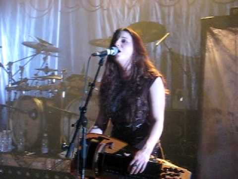 Eluveitie - Quoth The Raven - paganfest 2010 live @ lyon