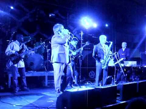PAMA INTERNATIONAL- IT`S ALL ABOUT THE MONEY(LIVE)