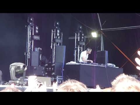 Kissy Sell Out 1 live @ Parklife Festival Manchester 12 June 2010