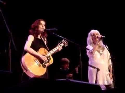 "Patty Griffin & Emmylou Harris ""Trapeze"" 11/1/07"
