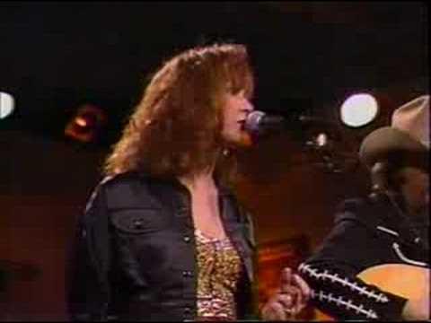 Patty Loveless and Dwight Yoakam - Message to my Heart (live)