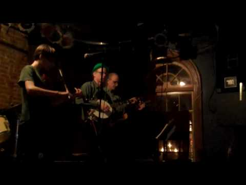 Paul Mooney Fiddling on St. Patrick`s Day