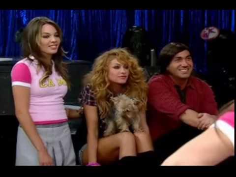 Patito Canta Con Paulina Rubio - Danna Paola Alternando Con Paulina Rubio