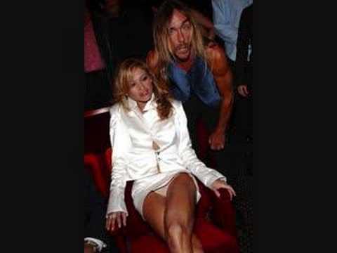 Paulina rubio no es rubia natural, nomas miren!!!
