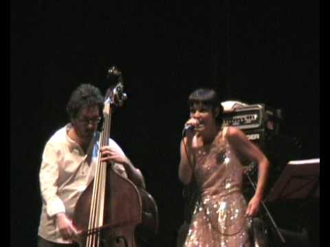 Petra Magoni e Ferruccio Spinetti Bocca di Rosa F De Andr� Firenze@live Fortezza da Basso 23 Luglio 2009