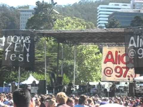 Plain White T`s LIVE in San Francisco 09/26 2010 - Hey There Delilah (Alice Now & Zen Fest)
