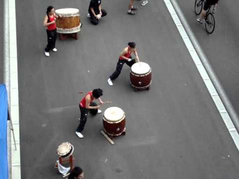 Taiko drummers on the I405 - clip 2
