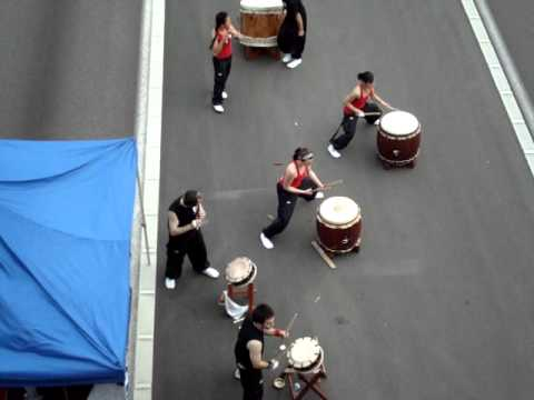 Taiko drummers on the I405 - clip 1