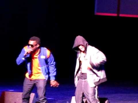 Kayne West x TI - Swagger like us LIVE @ Power 106 cali christmas concert