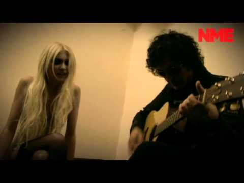 "The Pretty Reckless - ""Just Tonight"" ( Unplugged)"
