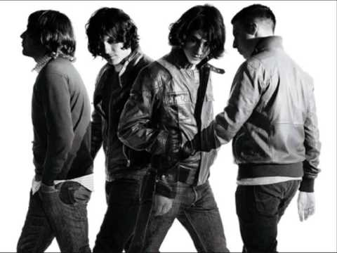 Pretty Visitors - Arctic Monkeys - Live premi�re