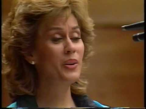 "Dame Kiri Te Kanawa sings ""Autumn Leaves""(Feuilles Mortes) & ""It Never Was You"" - Previn/Brown/Lowe"