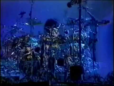 KISS - Peter Criss Drum Solo - Albany 1998 - Psycho Circus Tour