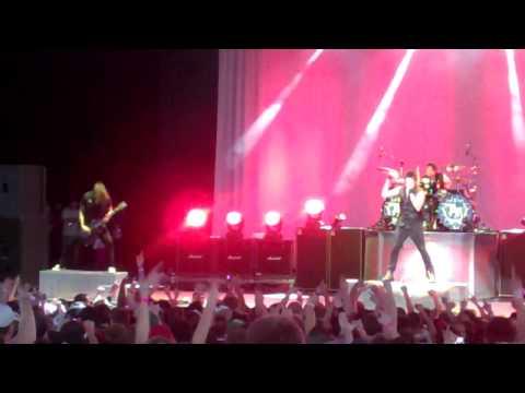 Papa Roach-Last Resort (Live) Chicago June 5, 2010