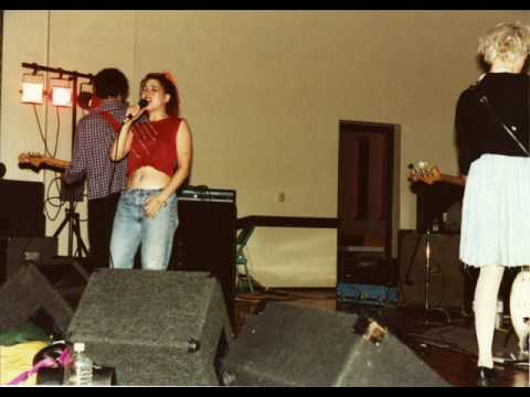 bikini kill cumberland arms 1996 rah rah replica jigsaw youth.wmv