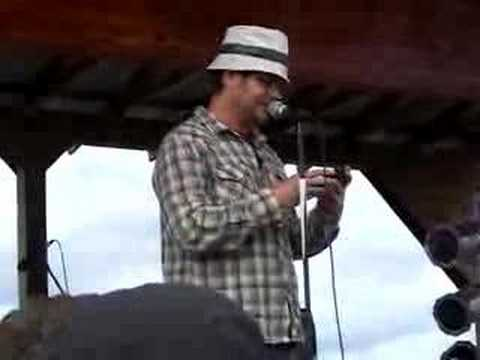 Rainn Wilson introducing The National (Sasquatch 2008)