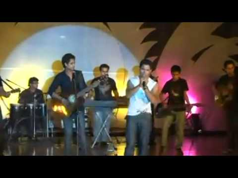 IN DINO(vijay prakash_reveries ) performing live at SRI RAM CENTER AUDITORIUM.mp4
