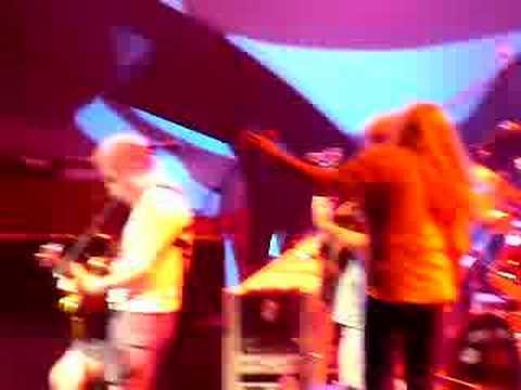 Ratdog performs Eyes of the World with Donna Jean & Keller