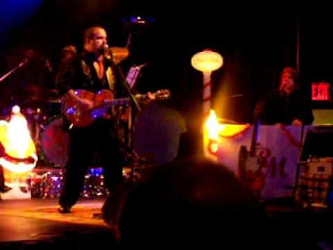 "Raul Malo ""Moonlight Kiss"" Highline Ballroom NYC - Dec 2008"