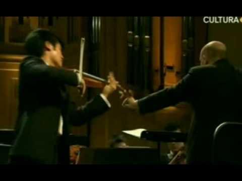 2009 | Ray Chen | Mendelssohn Violin Concerto | 1st Mvt | Queen Elisabeth | 2 of 2