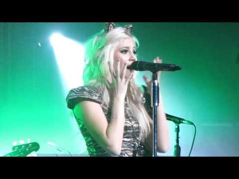 Pixie Lott - Motown Medley, Sheffield. (HD)