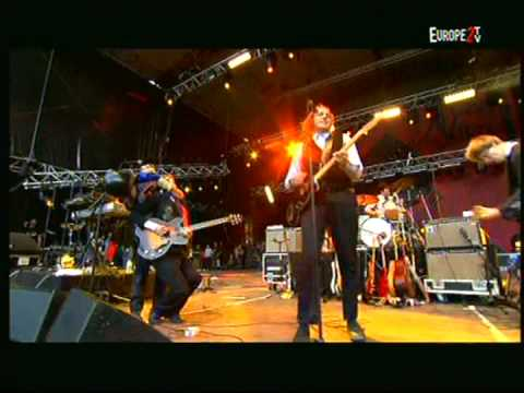Arcade Fire - Rebellion (Lies) (at Rock en Seine 2005) | Part 10 of 10