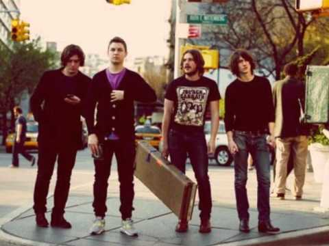 Arctic Monkeys - Don`t Sit Down `Cause I`ve Moved Your Chair [High Quality] STEREO