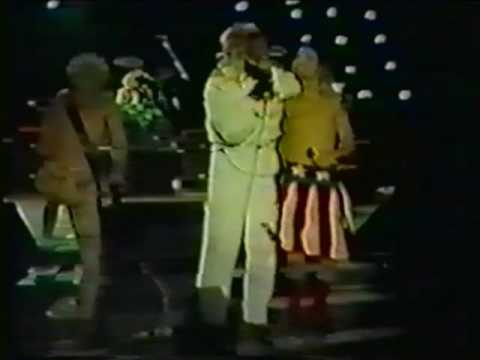 "Red Hot Chili Peppers with George Clinton ""Hollywood"" 1986"