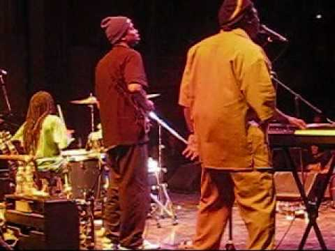 Regwa opens for Wailers 2009