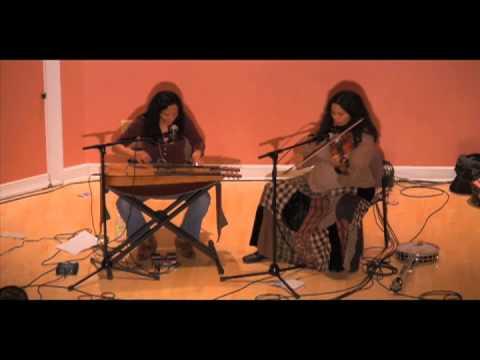 Pura F� & Rhiannon Giddens - Roots & Mahk Jchi Medley