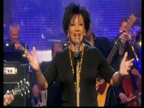 Dame Shirley Bassey - Graham Norton Show 2009 - Part 5/5