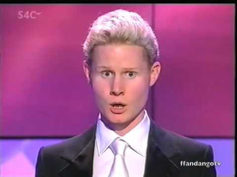 Rhydian Roberts - Eisteddfod yr Urdd 2004 (Before X Factor)
