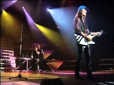 Scorpions Concert -- A Savage Crazy World COMPLETO