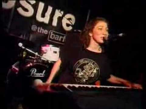 Regina Spektor - Poor Little Rich Boy (live)